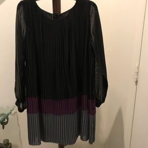 IMAN polyester pleated dress size Small